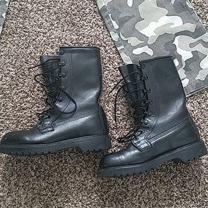 VIBRAM Combat Composite Toe Boots MAKE ME A OFFER!
